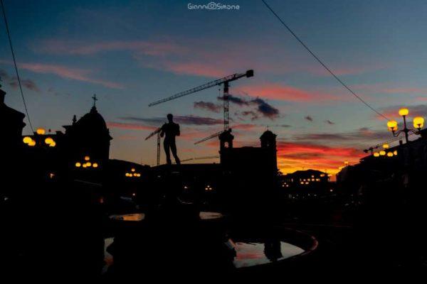 Tramonto in silhouette Piazza Duomo